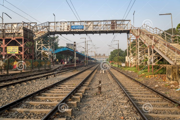 lake-gardens-railway-station-kolkata (2)