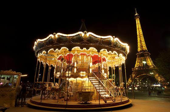 eiffel_tower_carousel